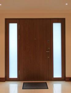 Saugios būsto durys